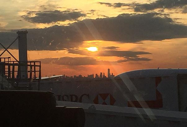 sunset-manhattan-skyline