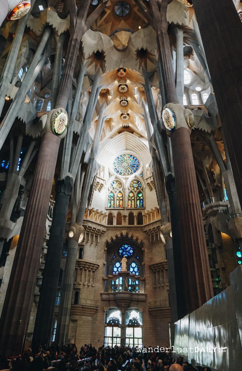 Visitare la Sagrada Familia interno