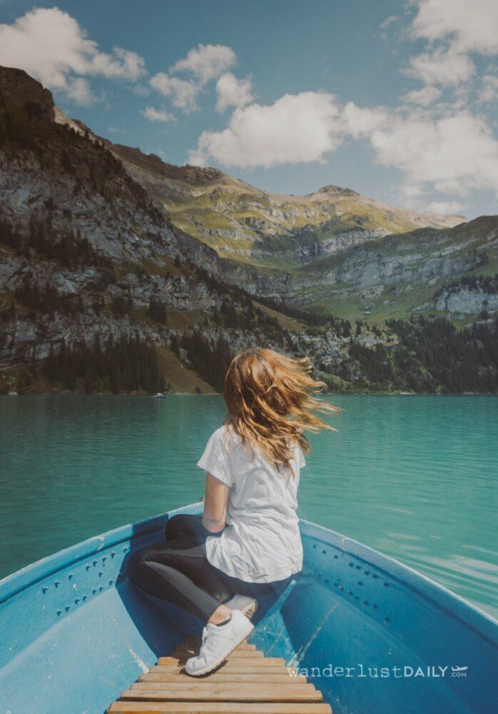 giro in barca sul lago oeschinen